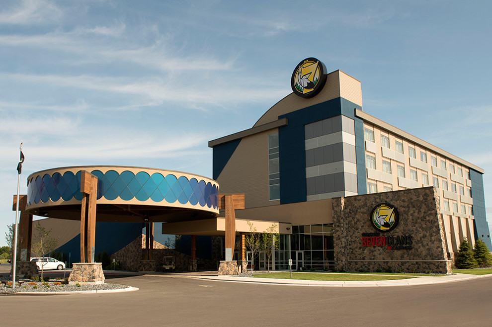 warroad casino