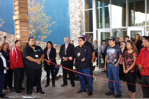warroad-casino-ribbon-cutting